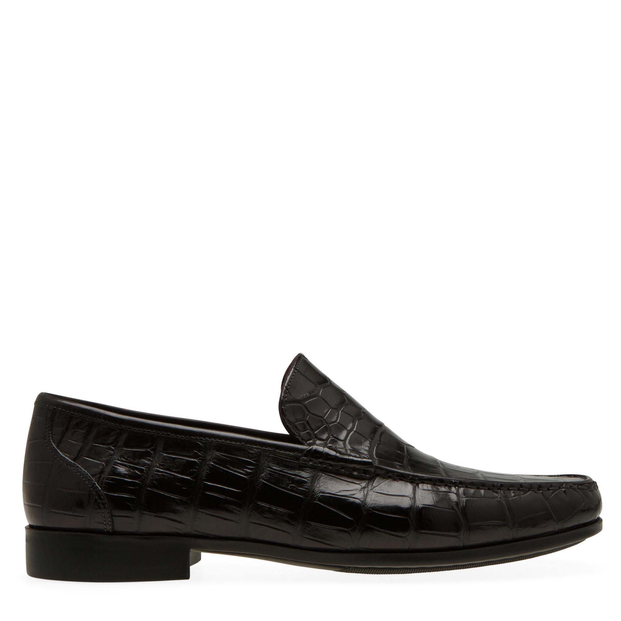 """حذاء """"روس"""" دون أربطة من جلد التمساح"""