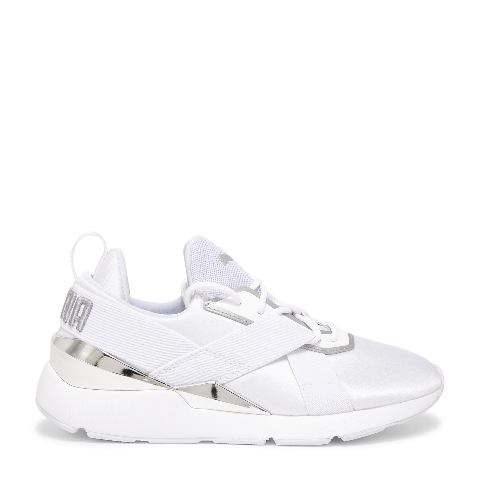 """الحذاء الرياضي """"ميوز ×3"""""""