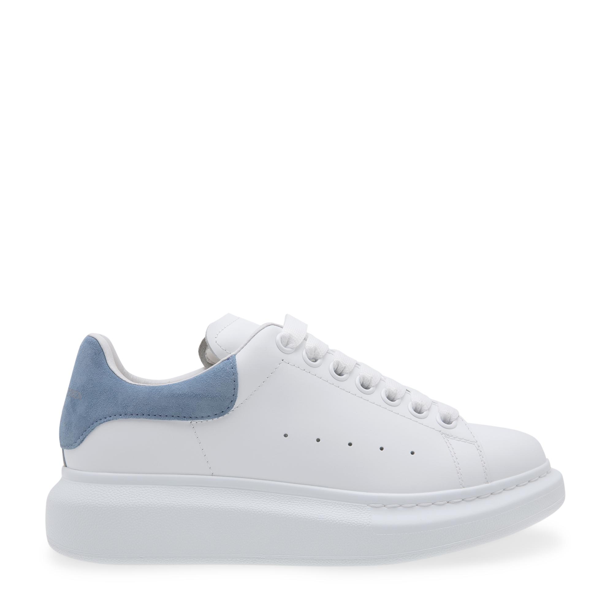 """حذاء """"لاري"""" الرياضي الضخم"""