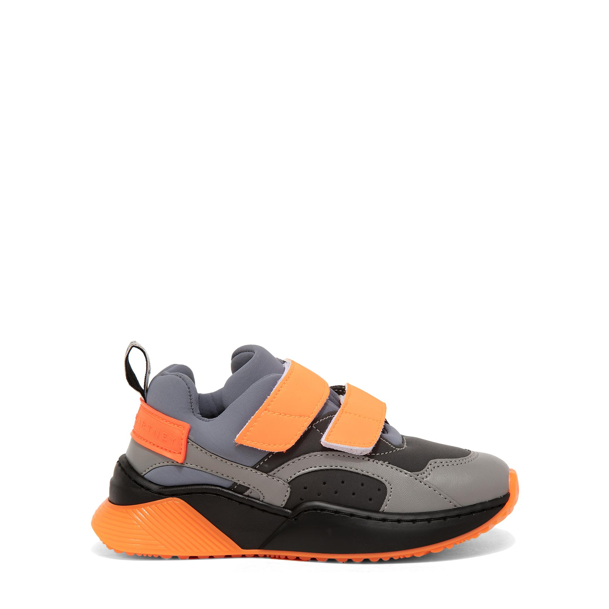 حذاء رياضي بنمط كتل الألوان