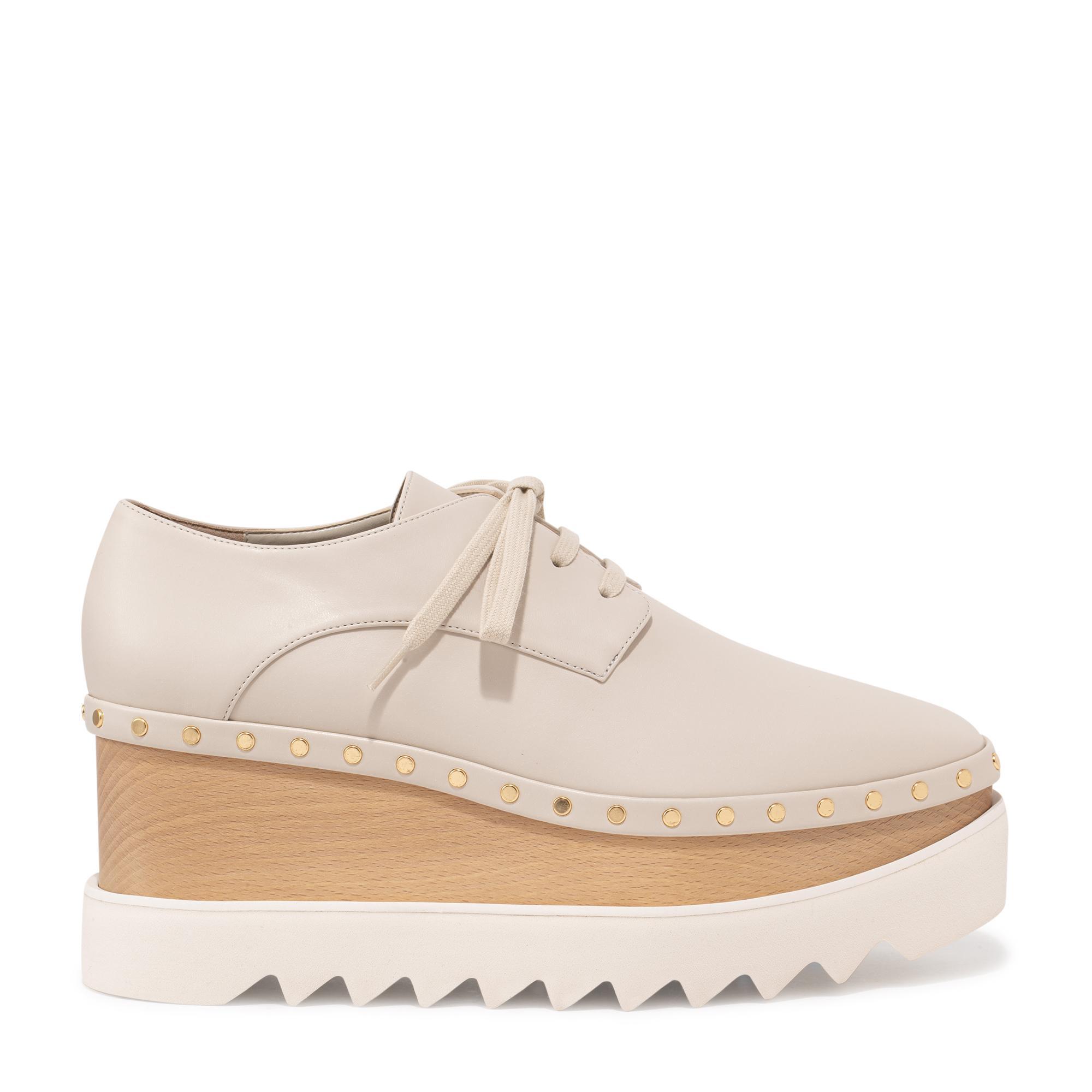 """حذاء """"إليس"""" الرياضي"""