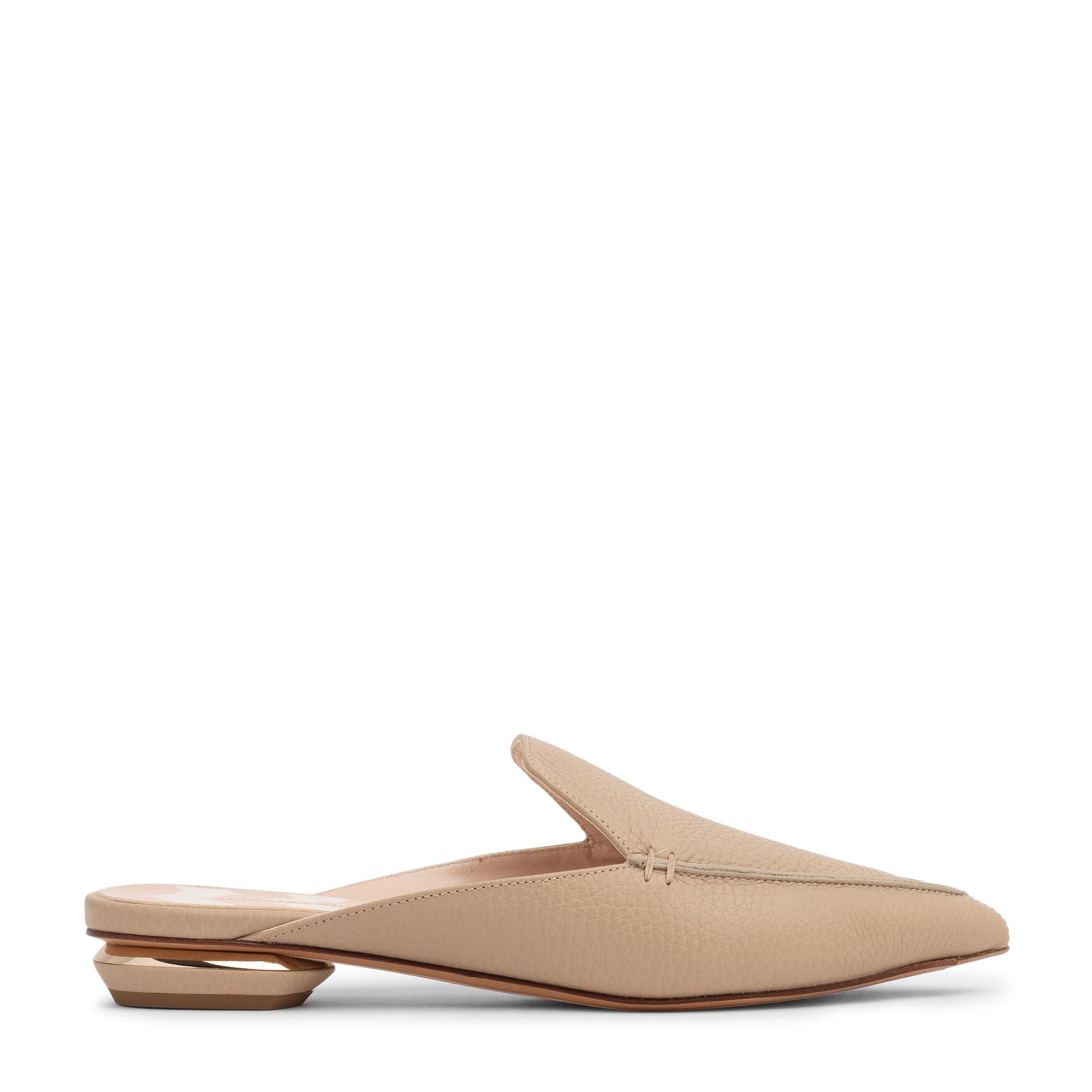 """حذاء """"بيا"""" المسطح المفتوح من الخلف"""