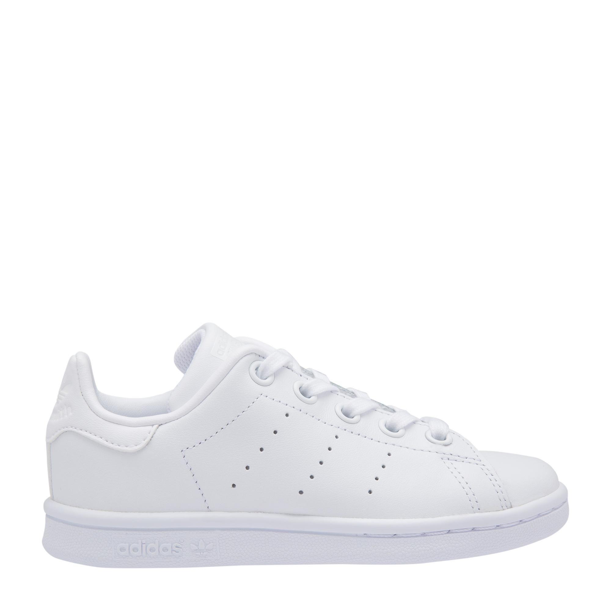 """حذاء """"ستان سميث"""" الرياضي"""