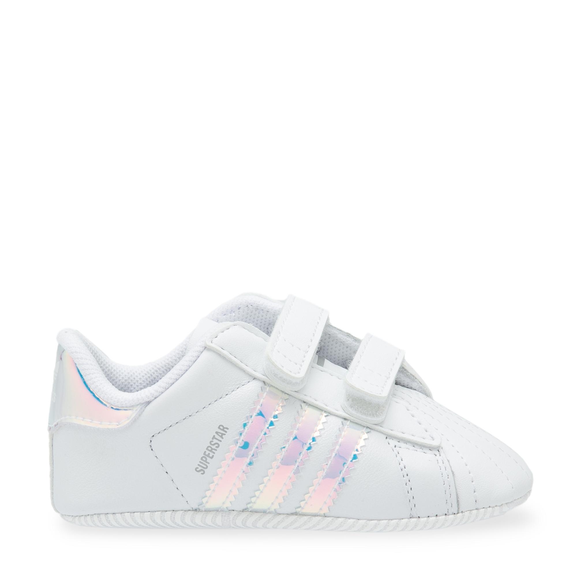 """حذاء """"سوپر ستار"""" للمواليد الجدد"""