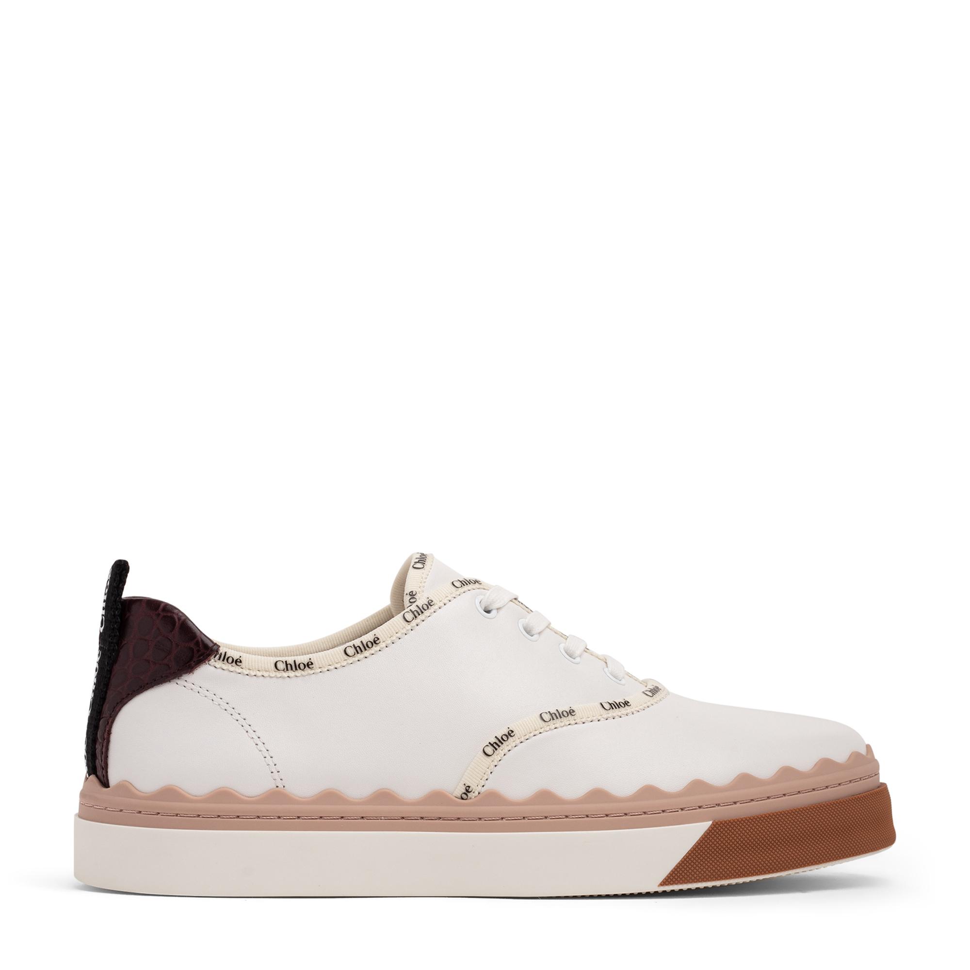 حذاء لورين الرياضي