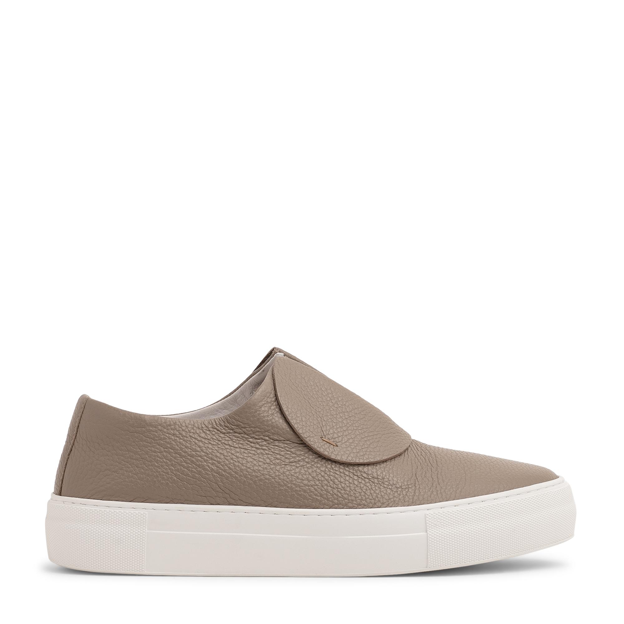 """الحذاء الرياضي """"بيبربلينز"""""""