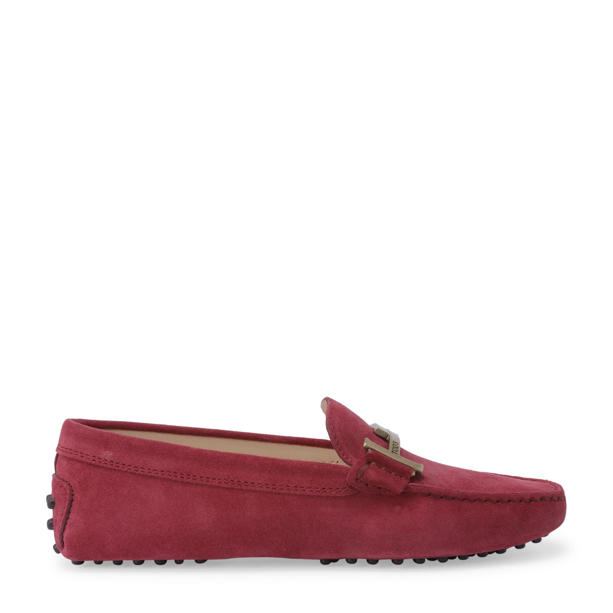 """حذاء """"غومينو"""" مسطح بحزام على شكل حرف T"""